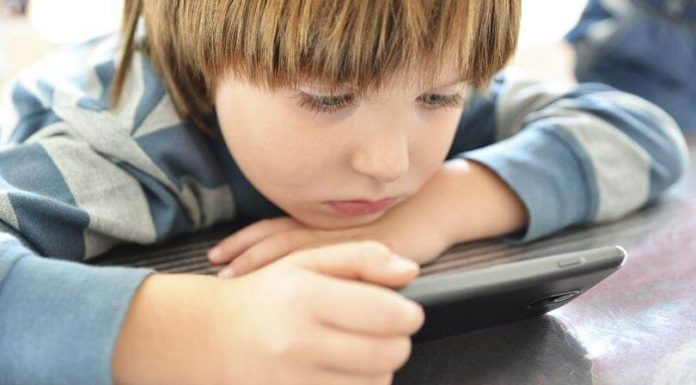Negative Effects of Android Mobile Devices on Kids- Use Android Parental Control App to Minimize the Dangers
